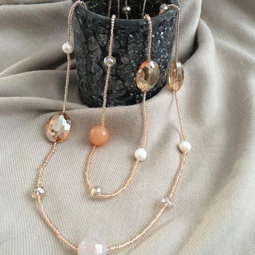 Carneool, kristallen en zoetwaterparels ketting