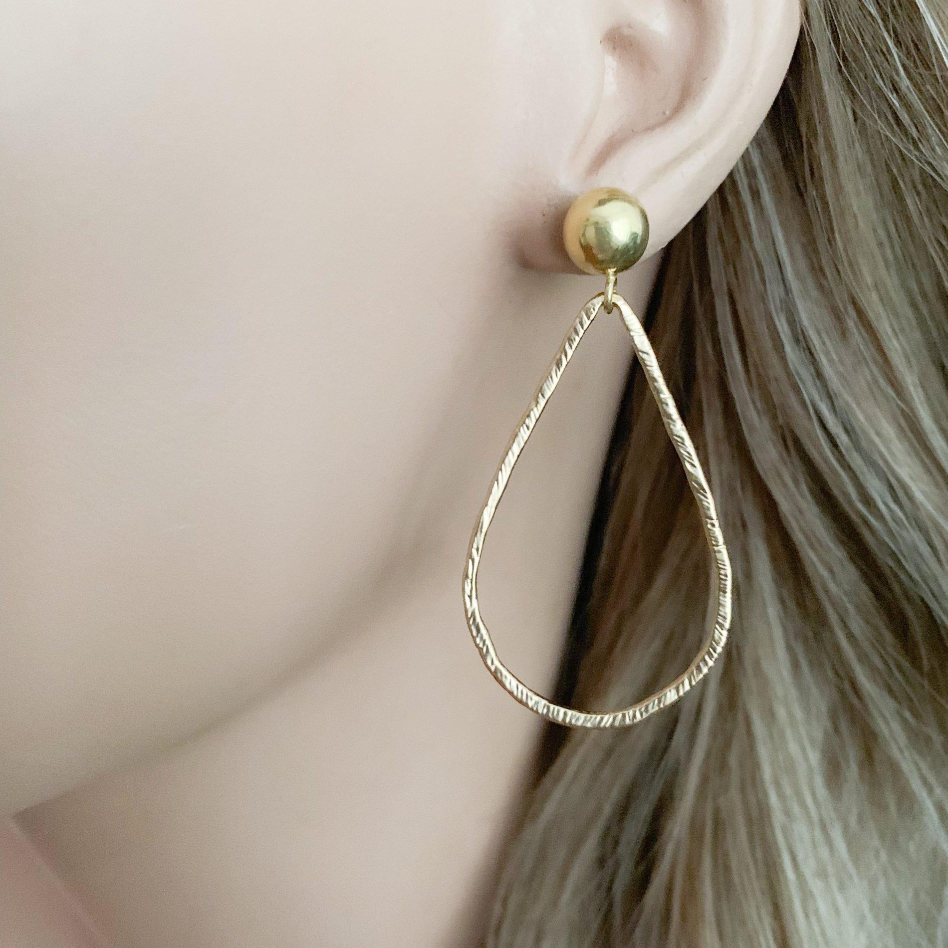 Gold druppels oorbellen