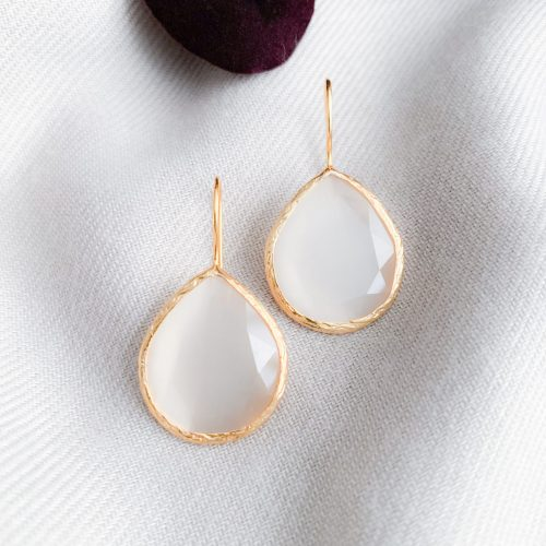 Beige cat's eye oorbellen