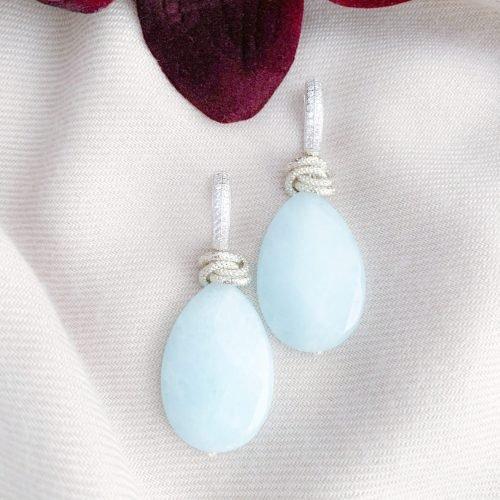 Lichtblauwe jade en sterling zilver 925 oorbellen