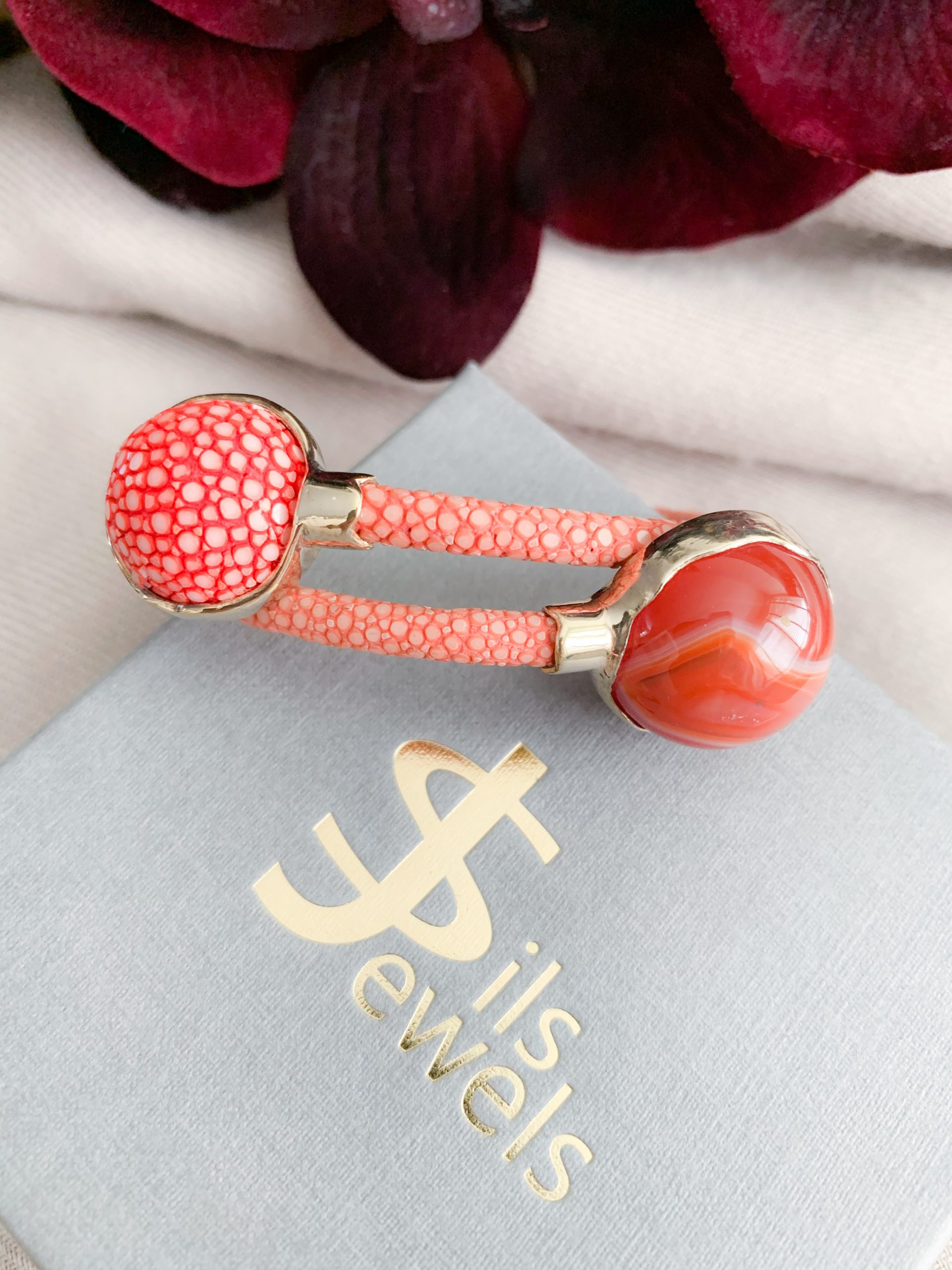Malachite en koraal rood stingray open armband
