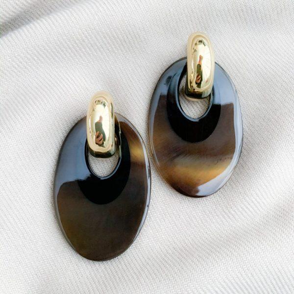 Bruin/zwart hoorn oorbellen