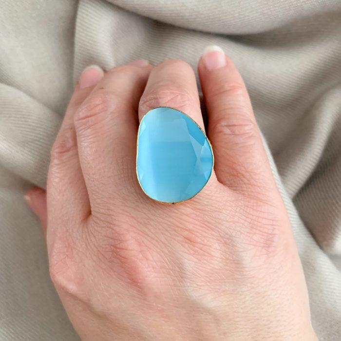Aqua blue cat's eye ring