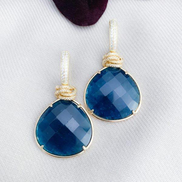 Blauw/petrol jade en vermeil oorbellen