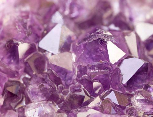 Kristal, mineraal of edelsteen in sieraden? Wat is het verschil?