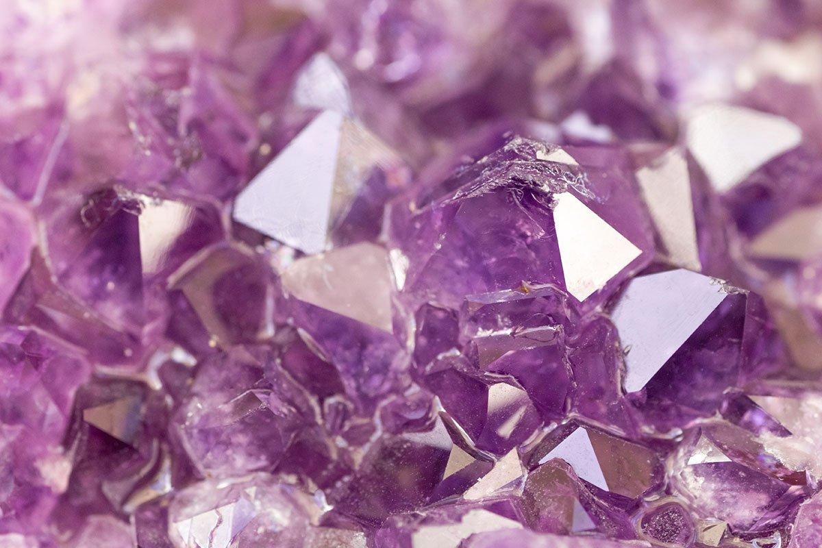 Kristal-mineraal-of-edelsteen-in-sieraden-Wat-is-het-verschil